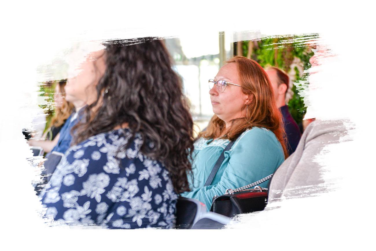 Photo de femmes à une conférence